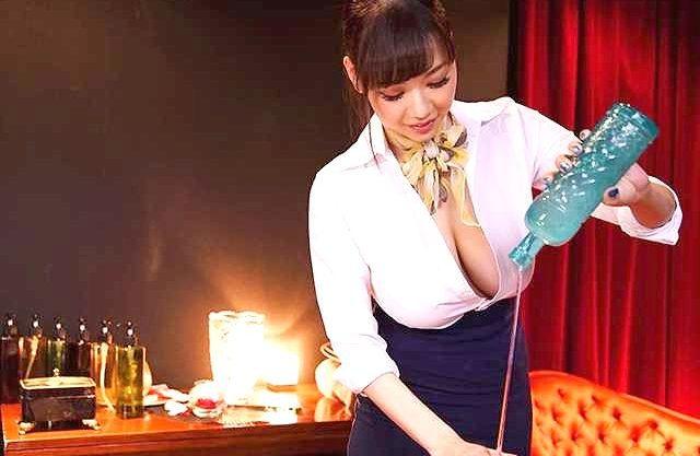 【RION】神乳揺れる!最高級エステ嬢が犯す至高のご奉仕!オイルぬるぬるパイズリと射精後も容赦しない手コキ責め!