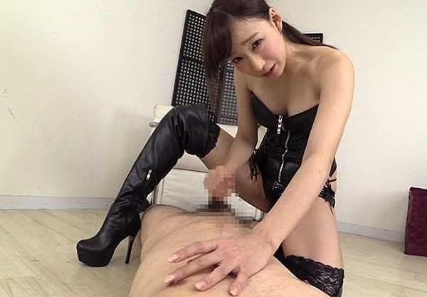 【痴女】「こ~んなに固くしちゃって♥」ボンテージ美女がM男を言葉責めで乳首集中攻撃!焦らしてイカせるハイレベル痴女!