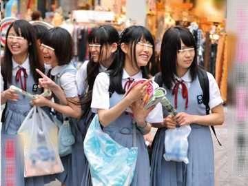 【JK】東京に来た思い出に…田舎美少女がエッチな体験!素朴美少女のスレてない純情!!生着替えからの生セックス!