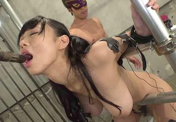 【爆乳】『あんんッヤバい…もうだめぇ…♥』媚薬キマって拘束凌辱!極太ペニ棒にアヘ顔連発、マシンバイブで強制イキ!!