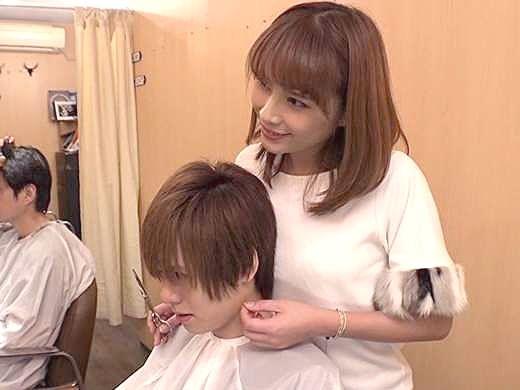 【痴女】『私のおっぱい…見てたでしょ♡』美容師お姉さんが誘惑の逆レイプ!満足するまで止まらない魅惑のこっそりSEX!!