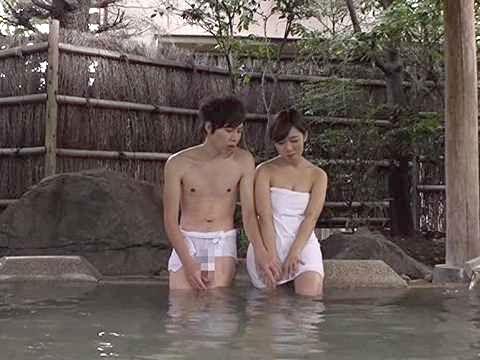 【素人】「なんか…照れちゃうね…♡」男友達と混浴温泉!異性を意識しない相手と卑猥ミッションで中出しSEXw