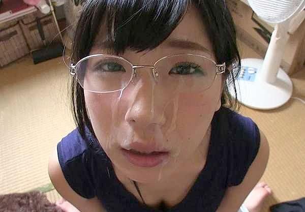【素人】敏感絶頂メガネ娘!『いっぱいイキたい…♡』悶絶濃厚フェラ!可愛いお顔に大量顔射⇒おじさんテクで乱れまくり