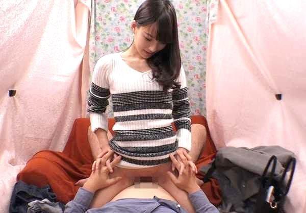 【人妻ナンパ】『オマ○コ気持ちぃ?♥』誠実なDTに芽生えた母性!美人妻が優しさで包み込む奇跡の筆下ろし体験!