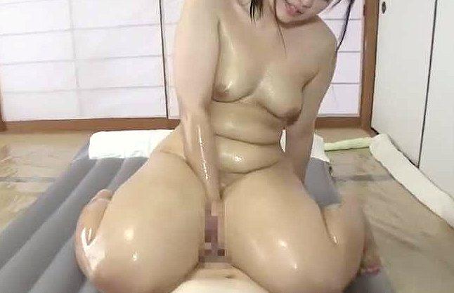 【ぽっちゃり】むちポチャ少女が男を癒やしまくり!ローションぬるぬるマットプレイにコスプレで肉感溢れるフェチ映像ww