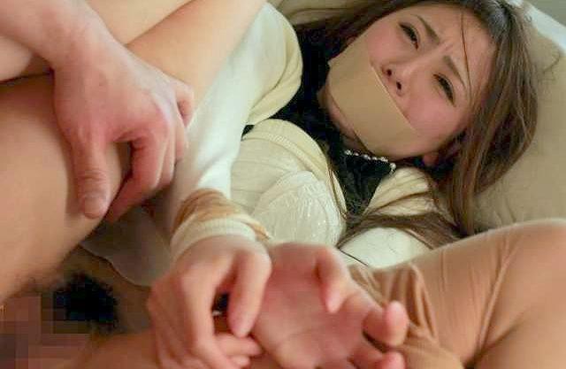 【レイプ】『お願い…やめて下さい…!』イケてないオヤジの妄想レイプ!美人カテキョを性奴隷として凌辱⇒チ○ポ挿入の中出し!