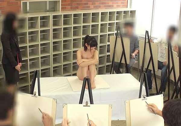 【羞恥】『あぁッだめ…出ちゃぅぅ…♥』デッサン教室でアナルを大公開!羞恥のSEXで潮吹きまで魅せちゃうロリ美少女の痴態!