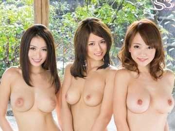 【温泉】『すごい勃っちゃいましたね…♥』露天風呂に乱入した爆乳3人娘!勃起チ○ポをすかさず襲う悶絶痴女ww
