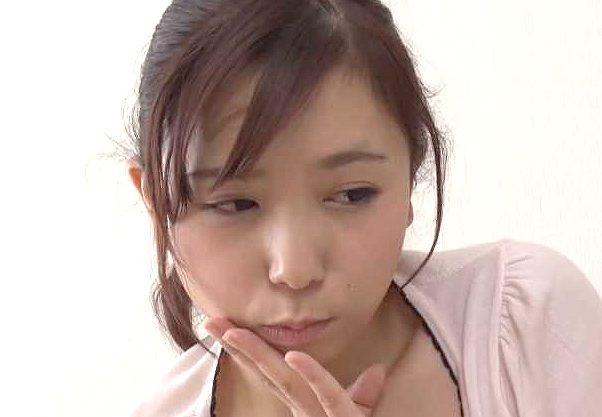 【笹倉杏】『おっぱい…見たいの?♥』ノーブラお姉さんが見つめる誘惑!極上乳爆乳見せつけて痴女責めでフル勃起w