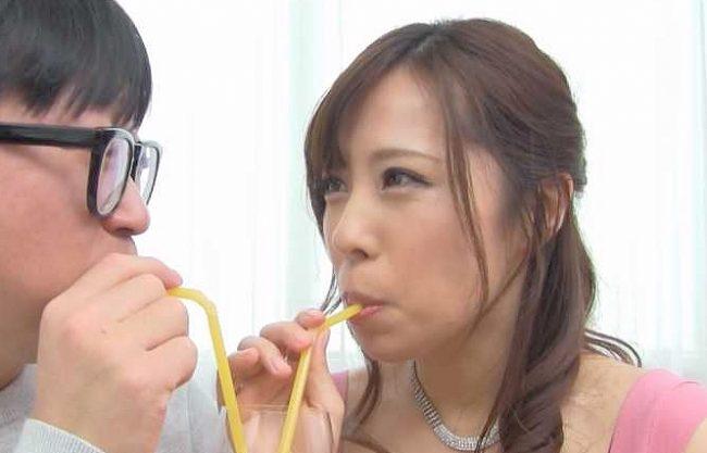 【熟女】『緊張しないで♥』三十路熟女が素人さんの童貞チ○ポをおもてなしの筆おろしSEX!フェラ&乳首責め⇒挿入で暴発射精