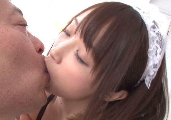 【痴女】『気持ちよくなって下さい…♥』美少女メイドがベロチュー&顔舐めで真心奉仕⇒ディルドオナニーで本気の悶絶しちゃうw
