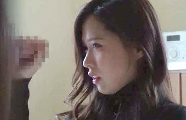 【NTR】『んっ、ダメ…♥』夫のいない自宅で間男とSEX!美人主婦が他人棒に乱れる真昼の情事を隠しカメラが捕らえた