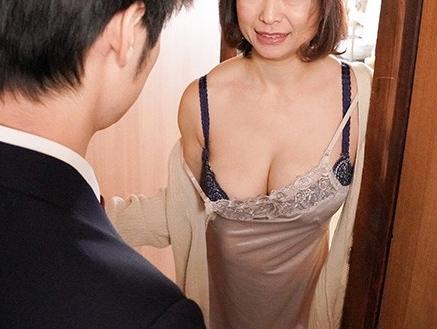 【熟女】『あら、ヤリたくなっちゃったの?♥』絶対SEXできる近所の四十路おばさん!フリーSEX状態で若い性欲を喰う痴女w
