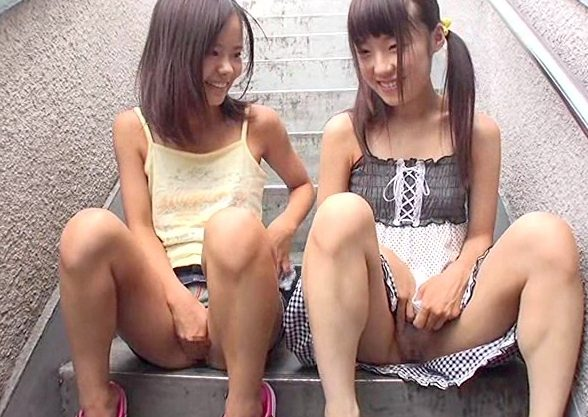 【ミニ系】団地で声掛けしたロリ系少女にイタズラ!日焼けのちっぱいボディに大興奮しちゃうww