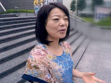 【人妻ナンパ企画】『私48ですよ…?』街角ナンパの完熟おばさん!ガチ口説きに陥落して腰振り悶絶の不貞SEXww