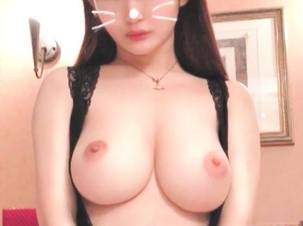 【巨乳】『挟んじゃうね…♥』20歳の爆乳女子大生と濃厚SEX!極上パイズリ&パイパンマ○コに生ハメでHカップが揺れ放題w