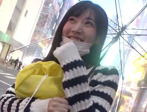 【素人ナンパ】『えぇッ、ちょっ…♥』秋葉原で見つけた童顔美少女を連れ込み&撮影会!Hなコスプレで責められて立ちバック悶絶