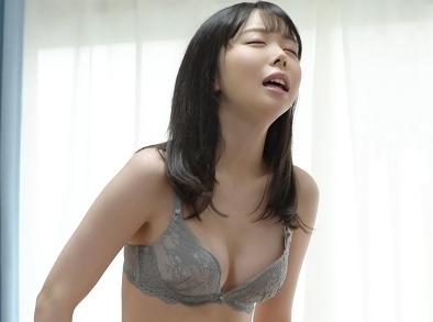 【素人】『お姉ちゃんには内緒ね…♥』彼女の妹に誘惑されて即陥落!生ハメNTRに持ち込まれて貧乳美少女を突きまくり膣内射精